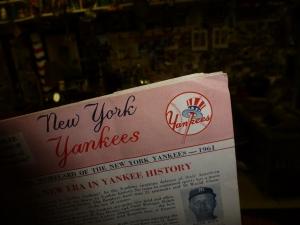 Top-hat Yankees logo, designed by Lon Keller